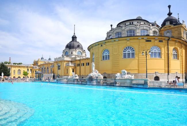 les-bains-szechenyi-et-de-gellert-budapest-alizes-travel-voyages
